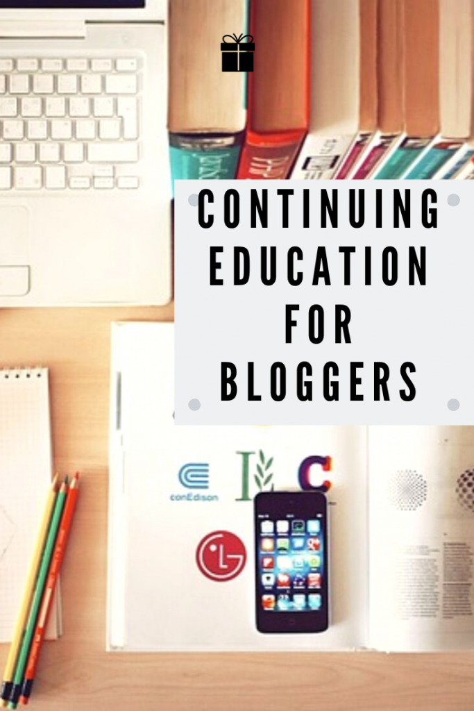 computer and educational materials to indicate continuing education classes for bloggers