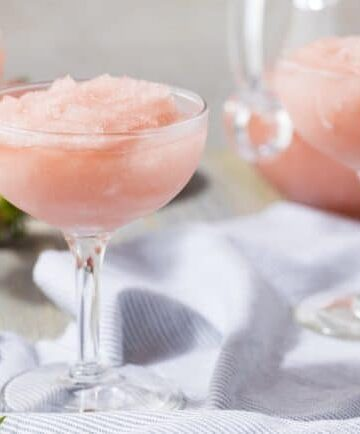 If you want to go beyond theArbor Mist frozen wine cocktails that you can buy in the store, here are a few tips for making homemade frozen wine cocktails.