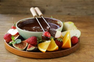 Chocolate Fondue Recipe and Tutorial for Dessert Lovers!