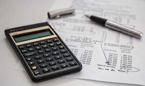 Best Holiday Budget Tips for Fewer Post Holiday Bills