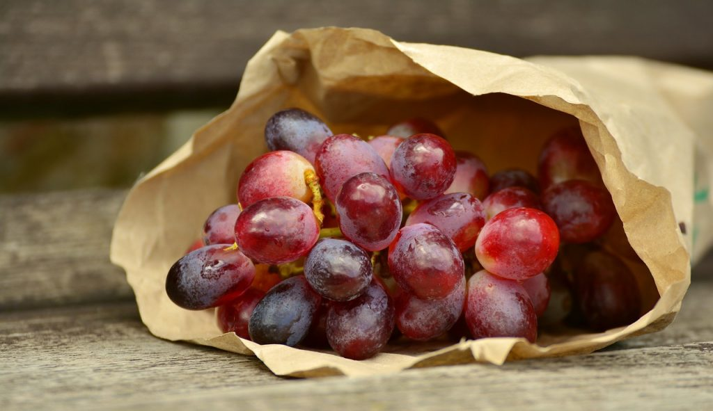 How to Make Frosted Grapes
