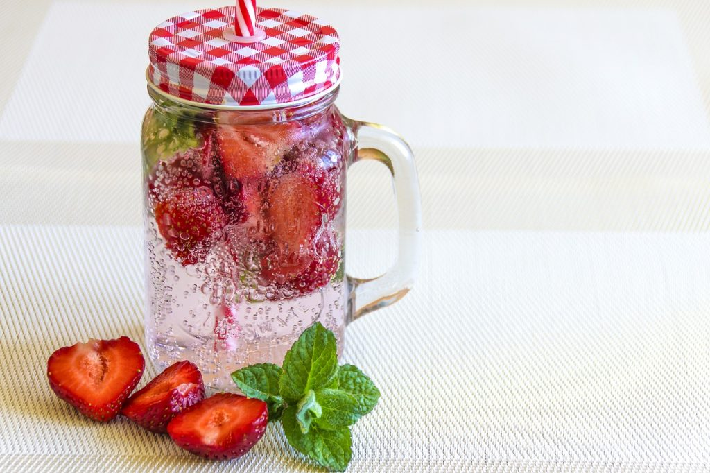 Strawberry Shortcake Jars and Healthier Outdoor Entertaining Tips