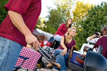 A Tailgating Essentials List for Fall Sports Fans