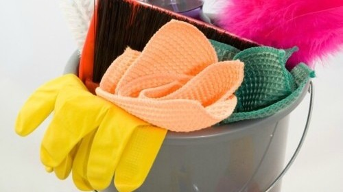 5 Spring Cleaning Chores You MUST Do This Month