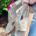 How to Choose Comfortable Summer Sandals for Work or Play!