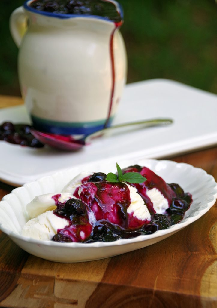 Bourbon Blueberry Sauce for Icecream