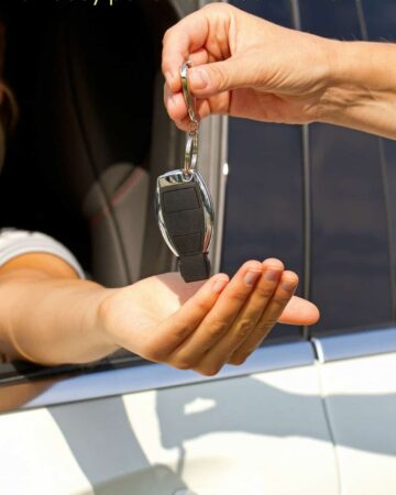 Tips for Car Shopping for Busy Parents of New Teen Drivers