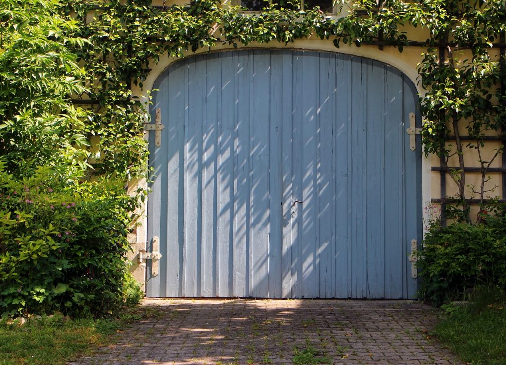 Must Read Tips for Cleaning Out the Garage