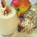 Looking for a new smoothie recipe? This healthy cinnamon apple smoothie recipe is a healthy breakfast recipe that is delicious and satisfying.