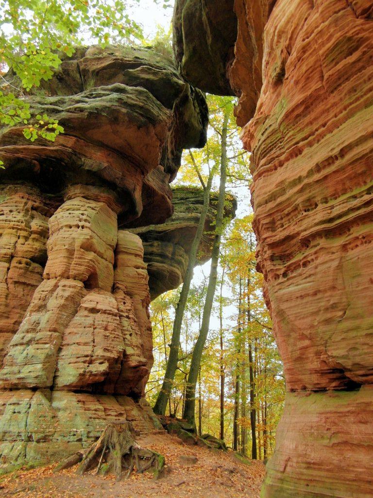 sandstone rocks and hiking path