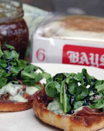 Fig and Arugula on English Muffin Pizza