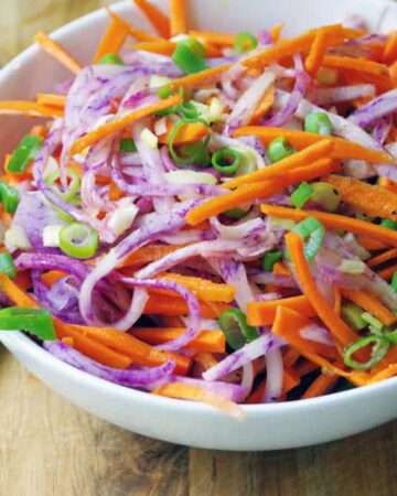 Diakon Radish and carrot Salad