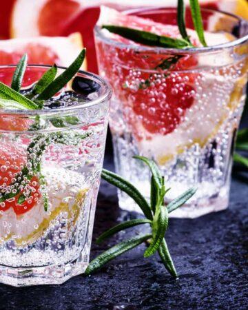 Citrus refreshing lemonade with rosemary and grapefruit